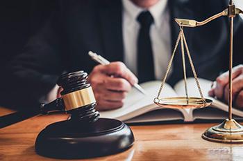 قضاوت و وکالت از مشاغل پردرآمد ایران